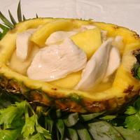 42a. Kip met ananas