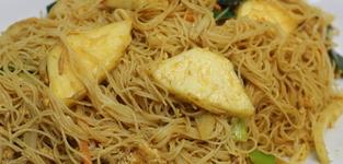 30. Mihoen met curry en ananas (vegi)